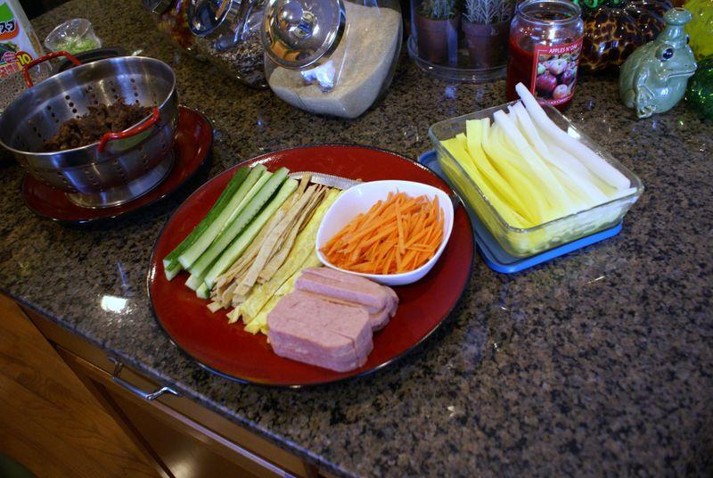 08-04-09 Degans Sushi 200